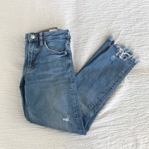 H&M &Denim distressed cropped jeans sz 24